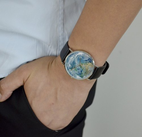 Embossed Earth Watch Slim Style Free Shipping Worldwide