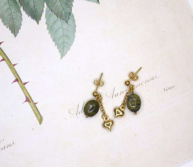 Riitta Handmade green strawberry crystal heart brass earring