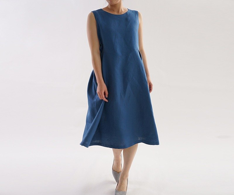 Linen fluffy skirt's sleeveless dress / Blue Marine a19-30