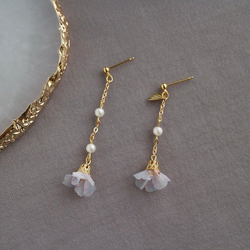 18k gold yarn white flowers leaves pearls dangle earrings bridal knot wedding