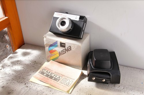 [Sunday antique camera] Lomo CMEHA SMENA 8M 40mm F4.0 battery-free evaluation camera black