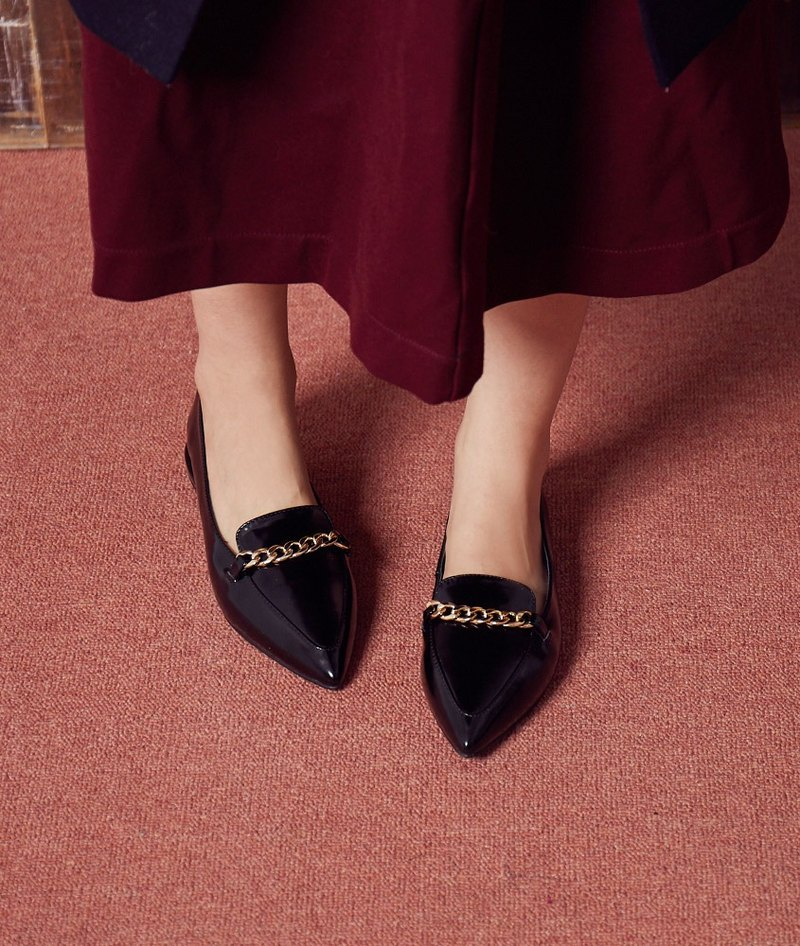 [Miss shopaholic] French elegant loafers _ gold chain bright black (24-26 take a small half)