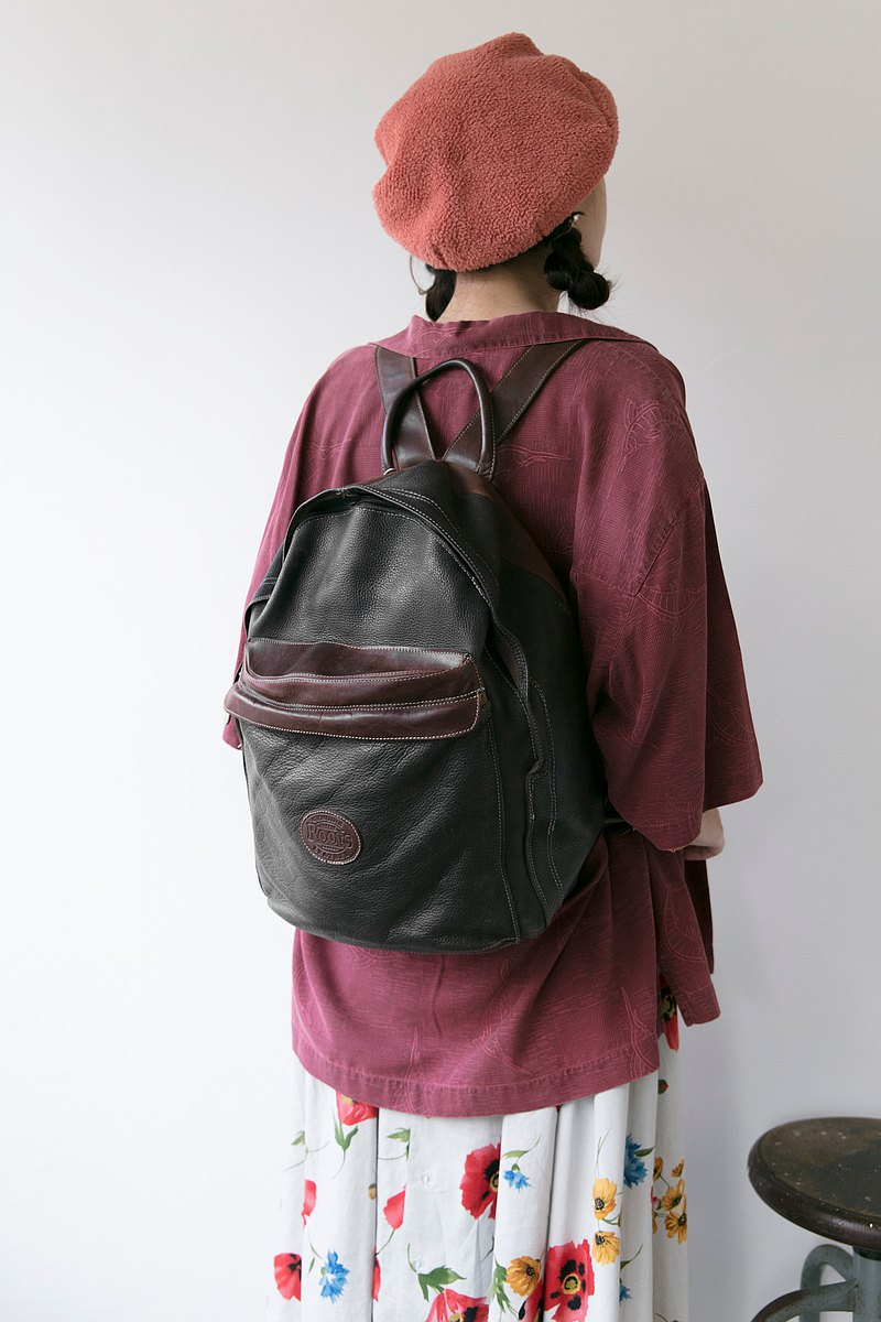 1980's ROOTS Italian Fatty Leather Large Capacity Backpack Roots Backpack
