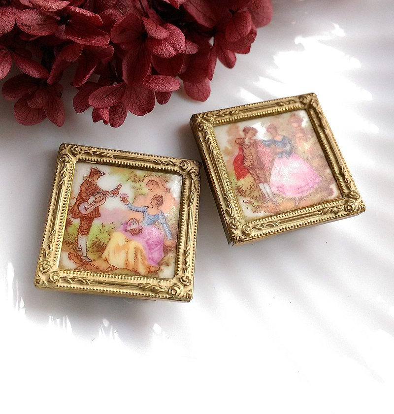 [Old Pieces Display Decoration Series] A set of 2 small French-style couple decorations made in Denmark