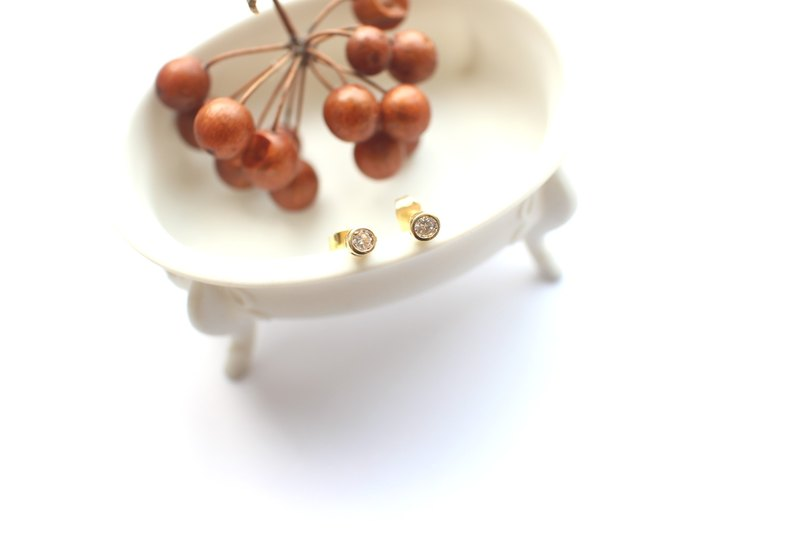 Little spot-zircon brass earrings
