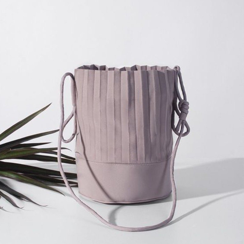 aPail Bucket Bag in Light Grey