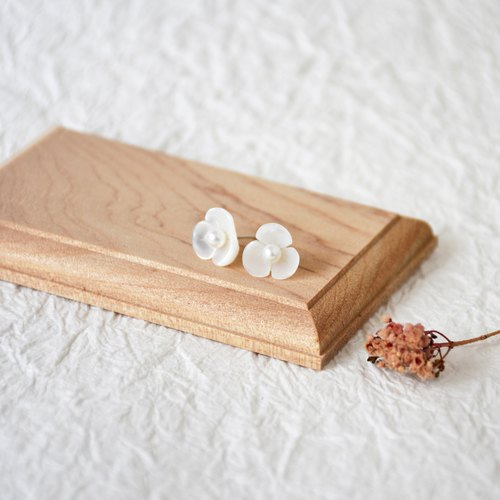 Handmade Freshwater Pearl and Shell with sterling silver Stud Earring