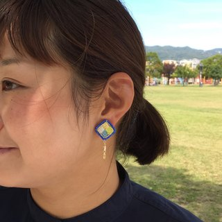 Earrings / Blue earrings