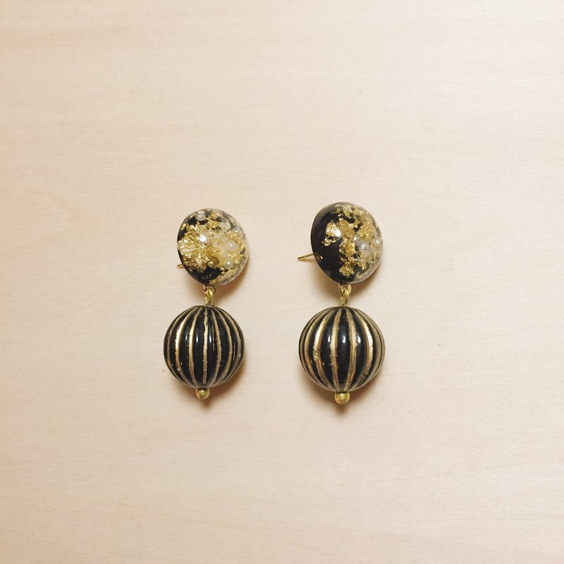 Vintage black gold foil pearl ball pumpkin earrings