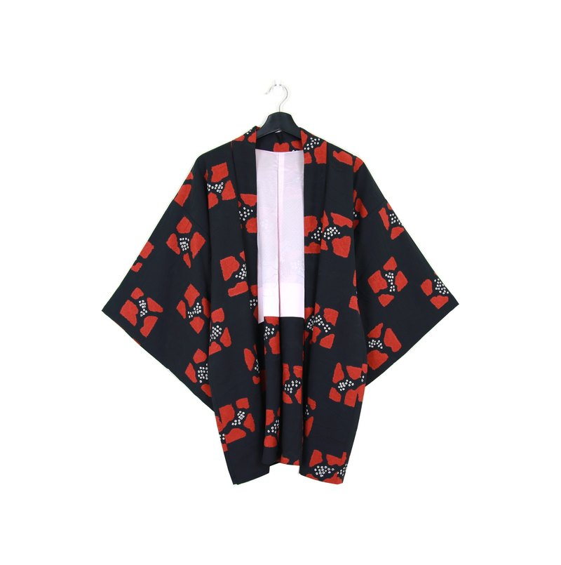 Back to Green :: Japan back to kimono plumage red pattern / / men and women can wear / / vintage kimono (KI-78)