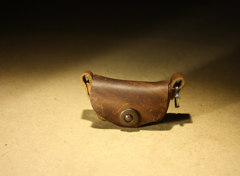 Brown Crazy Horse Leather Ingot Style Minimal Coin Purse can accommodate change of about 200 yuan
