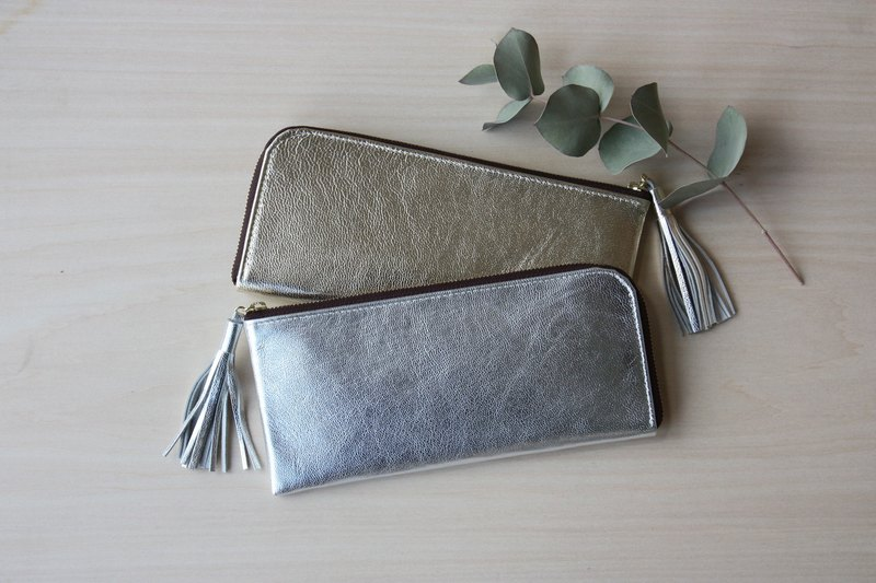 Goat leather slim long wallet silver