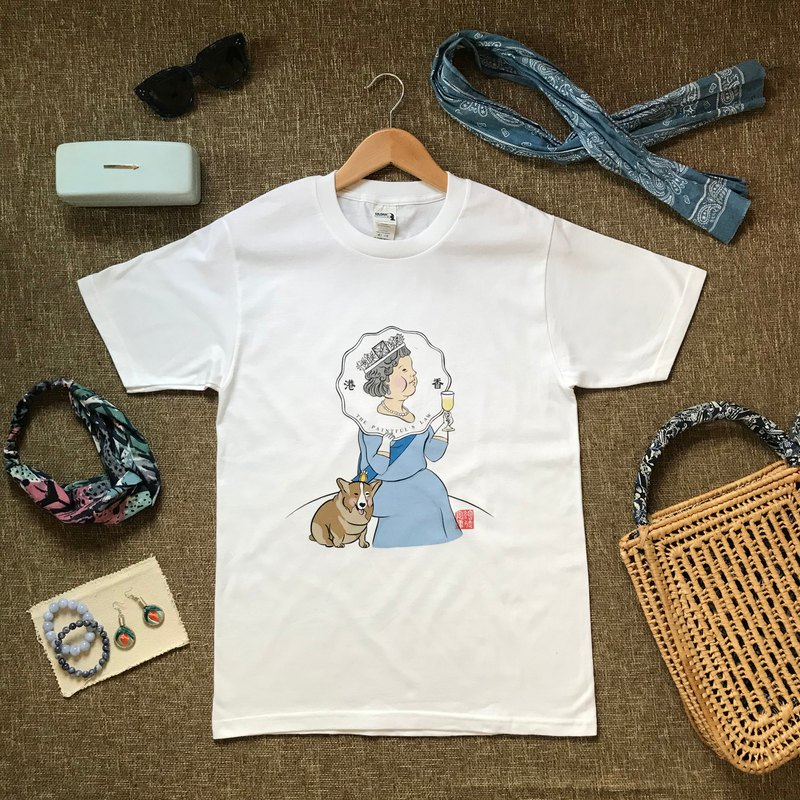 [Original design illustration] British Queen and Song Ji dog T-shirt