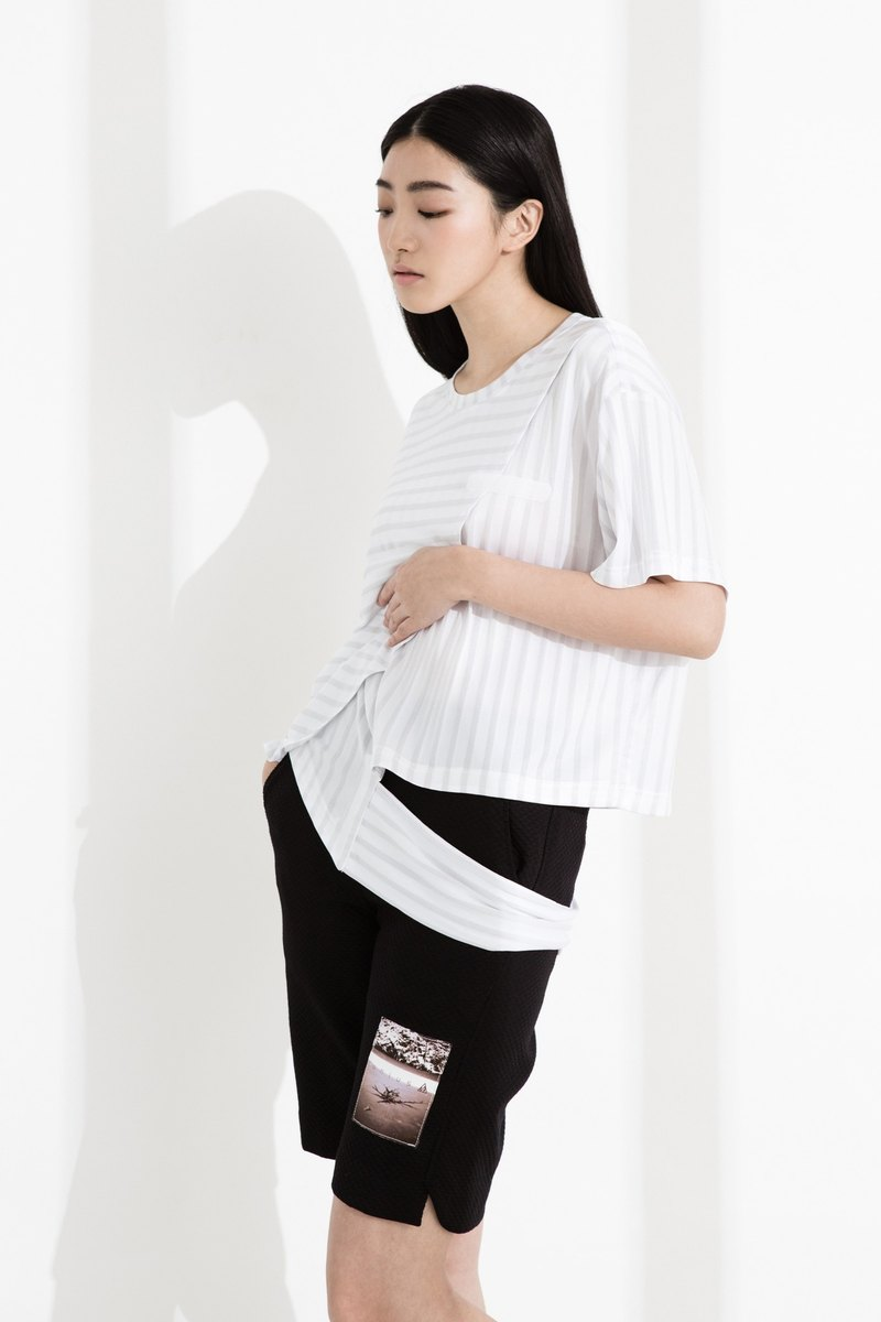 CLLECTION1~SPACE TRASH Striped Asymmetrical Top