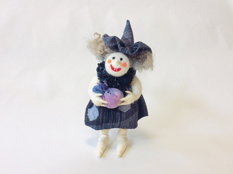 wool felt dool / Magie Witch