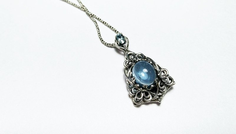 <gem series> aquamarine classical design pendant