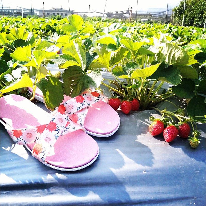 親膚減壓輕量舒適 / 台灣手作室內拖鞋 l 花辰月夕 / 粉色底