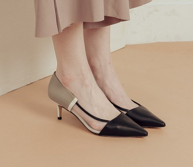 Net yarn structure leather retro pointed shoes black gray