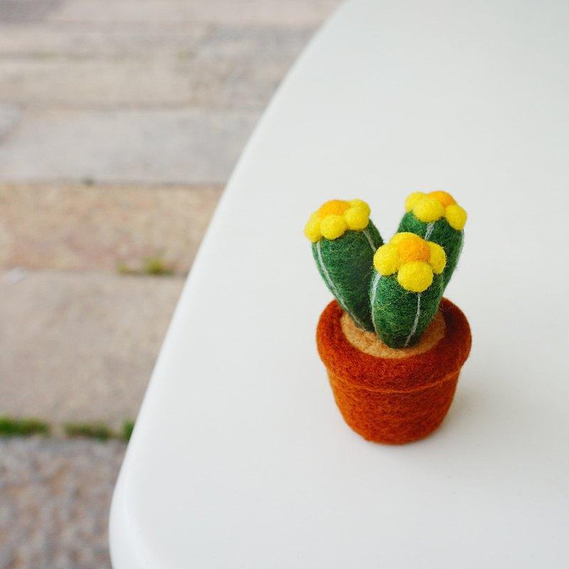 治愈仙人球多肉盆栽擺飾 手工羊毛氈桌面擺飾 家庭樂趣小物