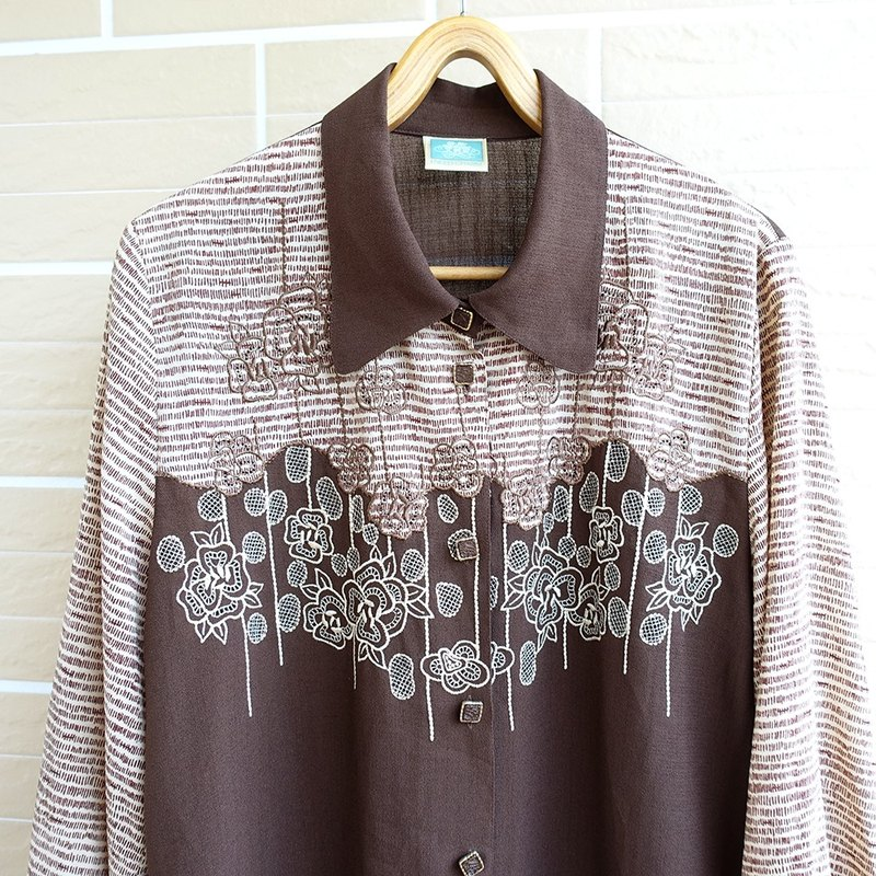 │Slowly │ chocolate pattern - ancient shirt │ vintage. Retro