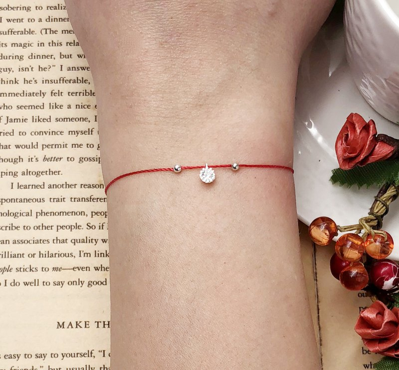 925 sterling silver single diamond small flower diamond left and right double silver beads temperament red line red rope bracelet small diamonds girlfriends