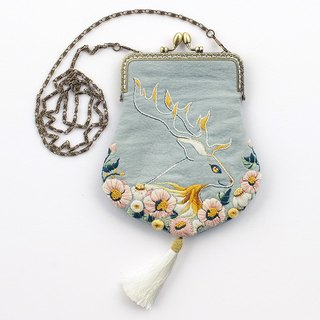 Finding Deer DIY hand made gold package material bag three-dimensional embroidery DIY handmade cloth handmade gold package Original Creative Creative Antiquity Chinese pin chain Messenger bag suitable for adult/beginner new year gift / Christmas gift / gir