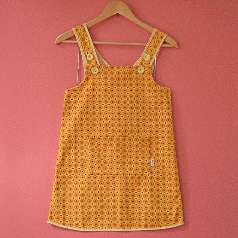 Little Helper Apron-110 / Old Ceramic Tile No.2 / Sunshine Yellow