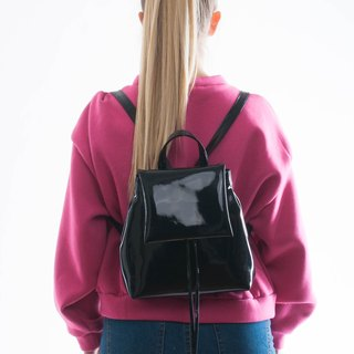 MINI BOO backpack patent leathertte