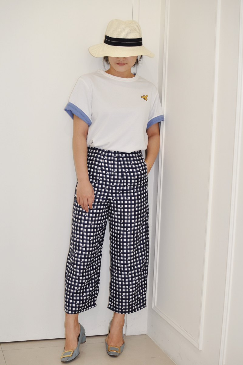 Flat 135 X Taiwan Designer Series Cotton Plaid Small Flowers Japanese Fabric Casual Cropped Pants