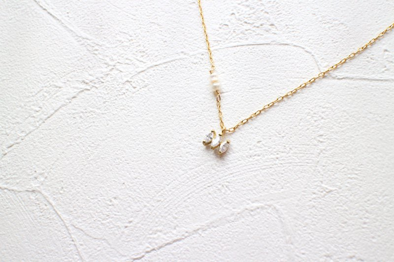 Graceful-Brass necklace