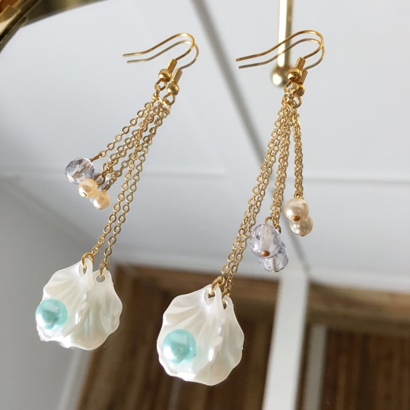 Shellfish and chain earrings vol.3
