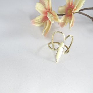 Girl jumper heart ring