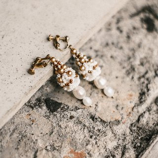 Weepspear Citadel beaded pearl & brass earrings/clips