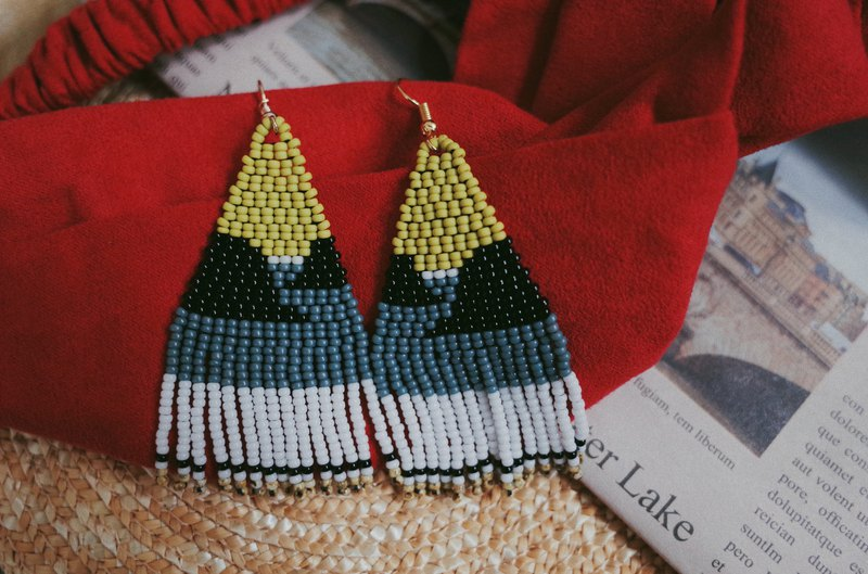Mountain and sea landscape series beaded earrings (turnable ear clip)