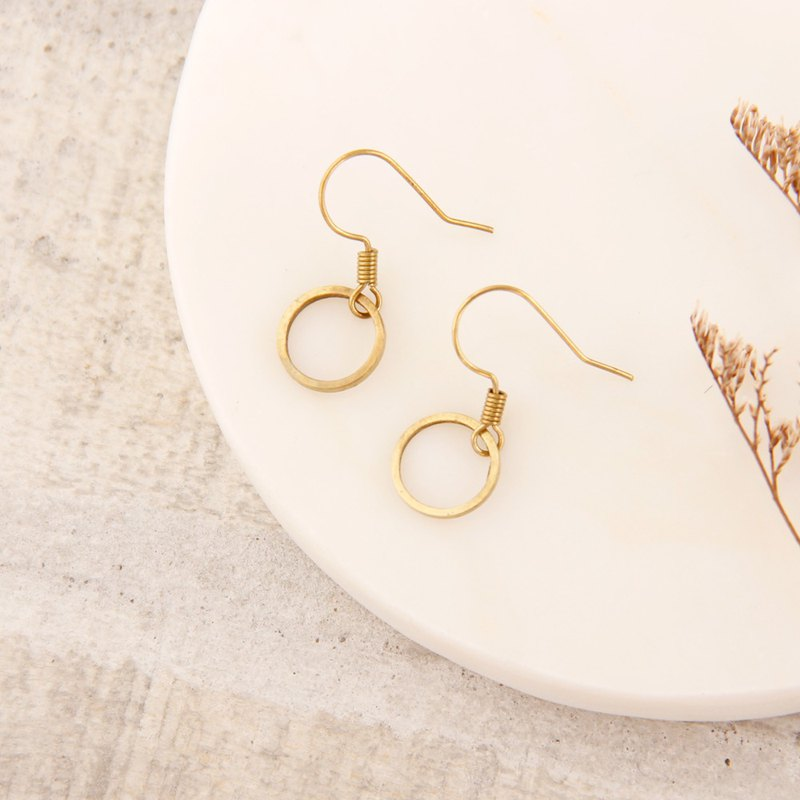MUSEV basic versatile simple brass earrings - small circle