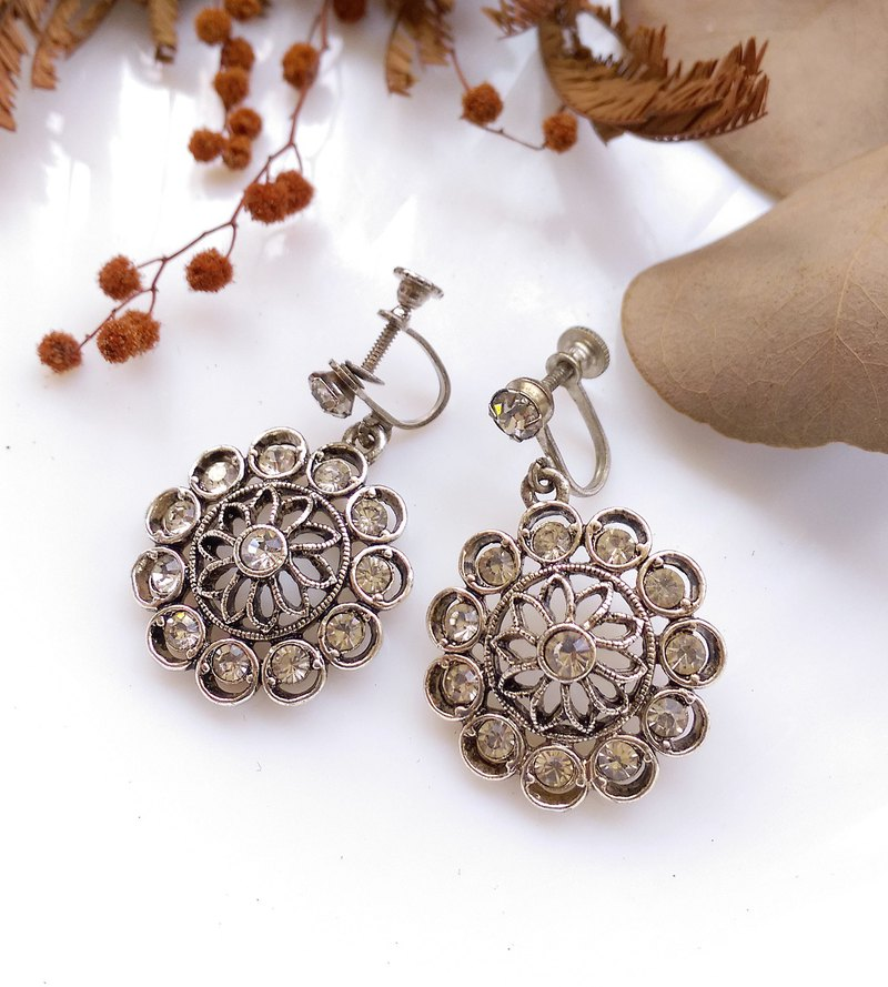 [Western antique jewelry / old age] gorgeous Ferris wheel bolt earrings