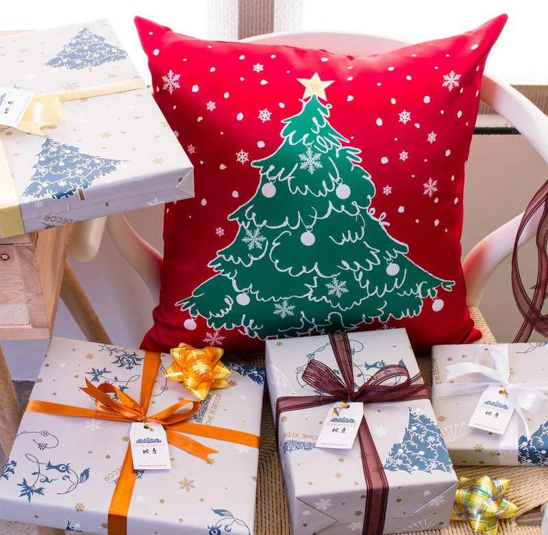Christmas tree pillow (classic red 45cmX45cm)