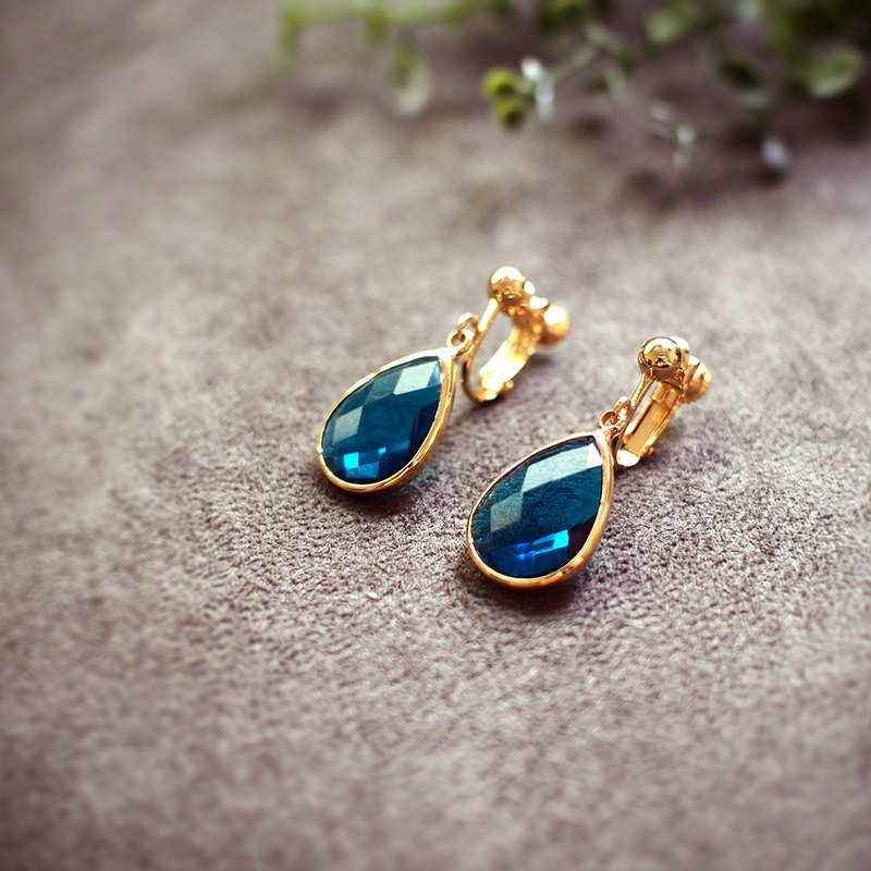 [Azure water drop] imported cut glass drip ear green color 18k gold
