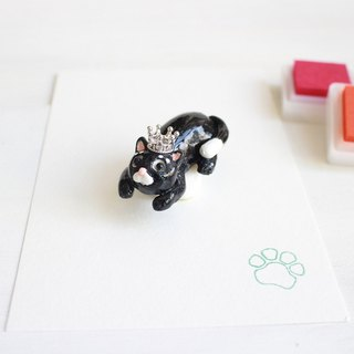 PearlCatCat x Handmade J | Black Cat Soft Pottery with a single meat ball seal