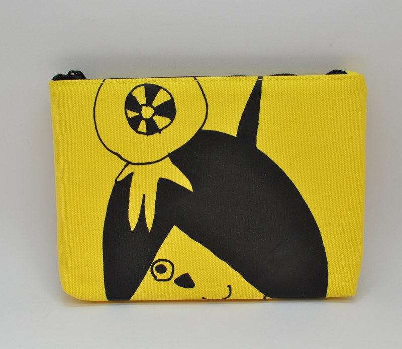 [Swimmy Design Lab] Japan Classic Cartoon Series - Ghostaroo Cosmetic Bag / Storage Bag / A6 Finishing Bag (Yellow)