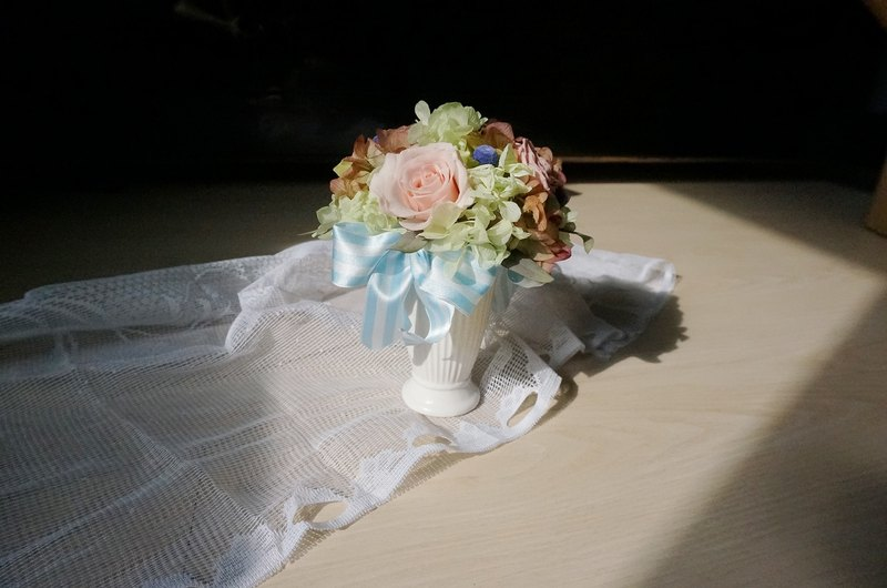 """Pre-order"" ribbon small table flower"