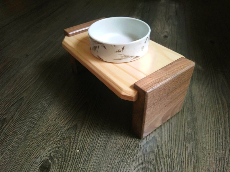 "Hairy Kids Dining Table Series - ""Japan"" Wood Pet Dining Table Dish"