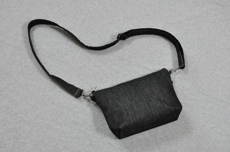 ENDURE/Simple design shoulder bag/classic small size shoulder bag / cowboy black