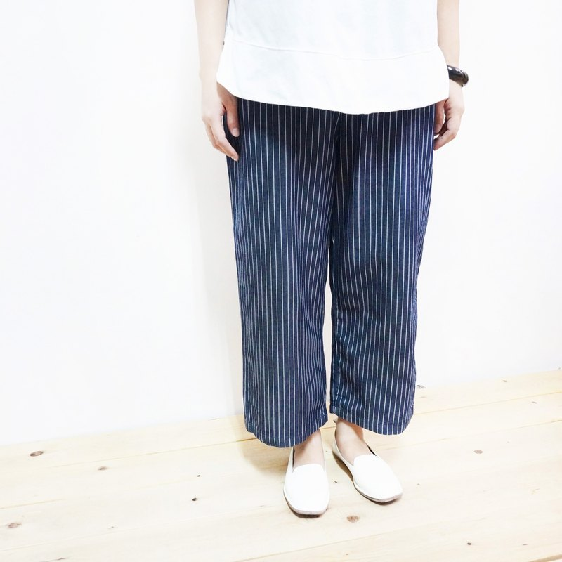 Dark blue straight wide tube cropped pants