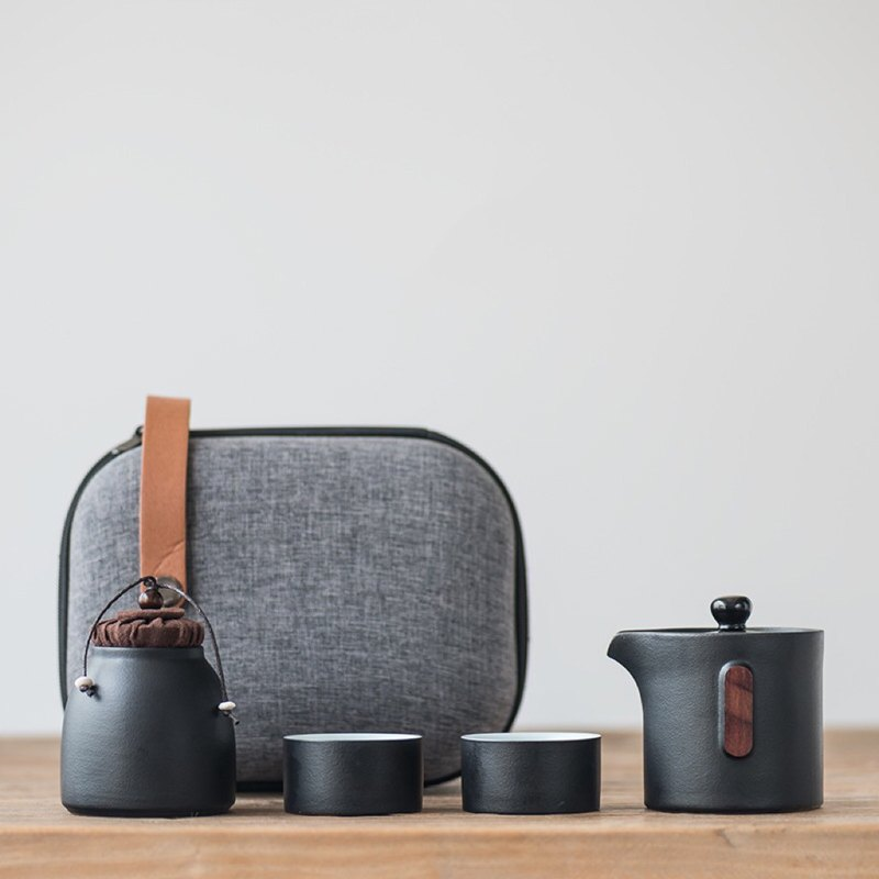 Speaking|Clouds black sand glaze Japanese-style stoneware one pot two cups fast passenger cup