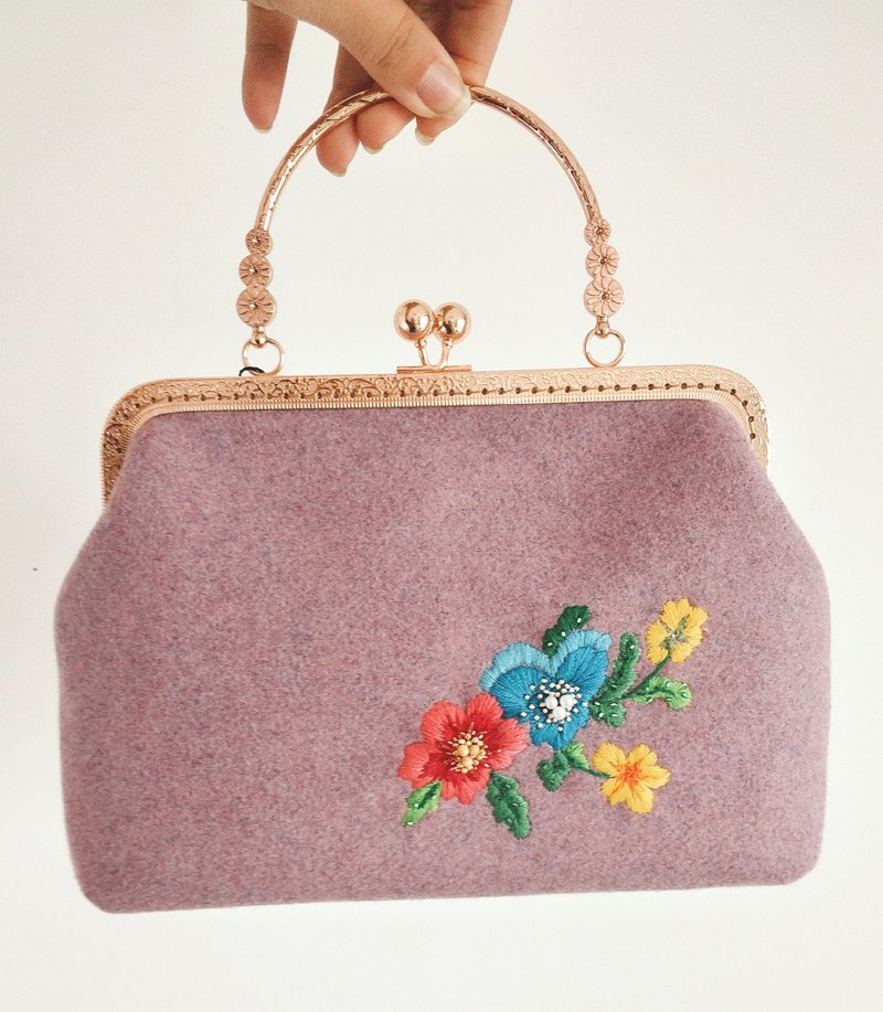 [Hana] original hand-embroidered elegant gold bag can be carried diagonally orphaned