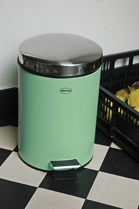 Cabanaz - PEDAL BIN pedal trash can / retro green