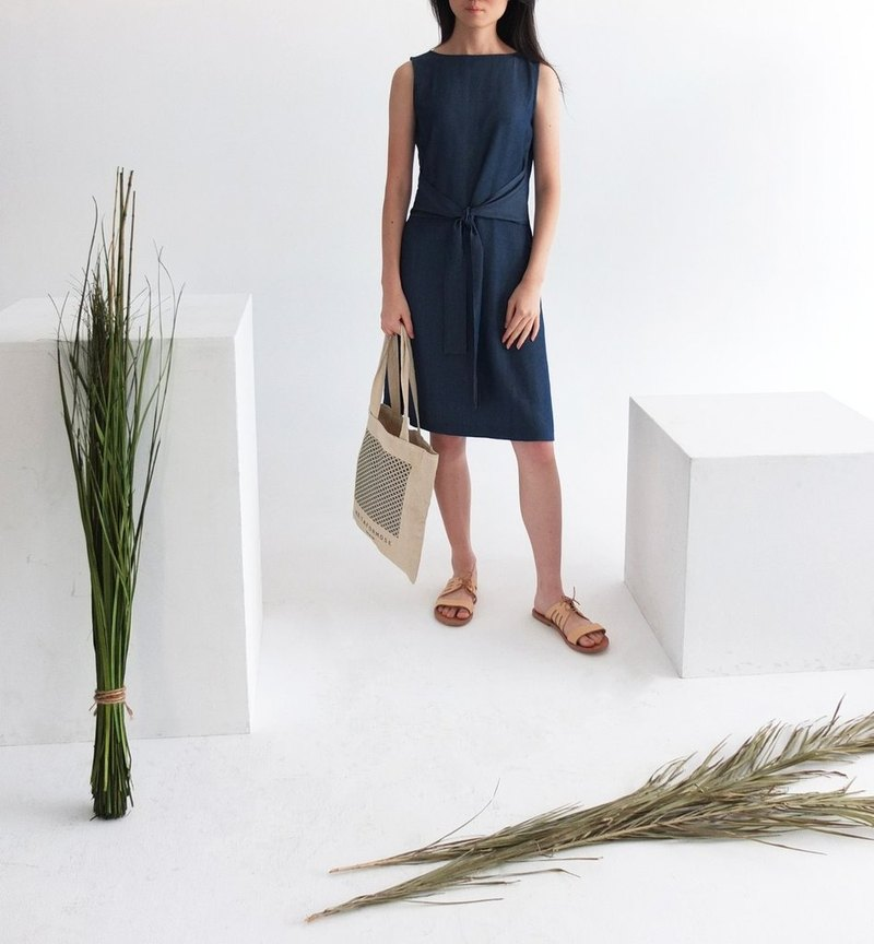 Dark blue cotton and linen double-waisted waistband sleeveless dress (S clear)