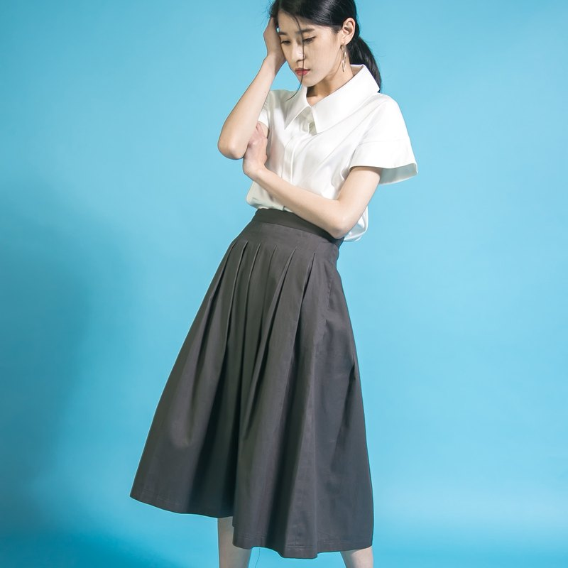 SU: MI said Overlapped classic fit pleated skirt _6SF201_ iron gray