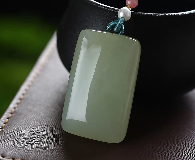 Pure Hetian Jade Ping An Wu pendant pendant, good color, good jade, warm and delicate fat, high oily foot